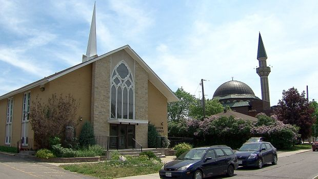 канада мечеть охрана